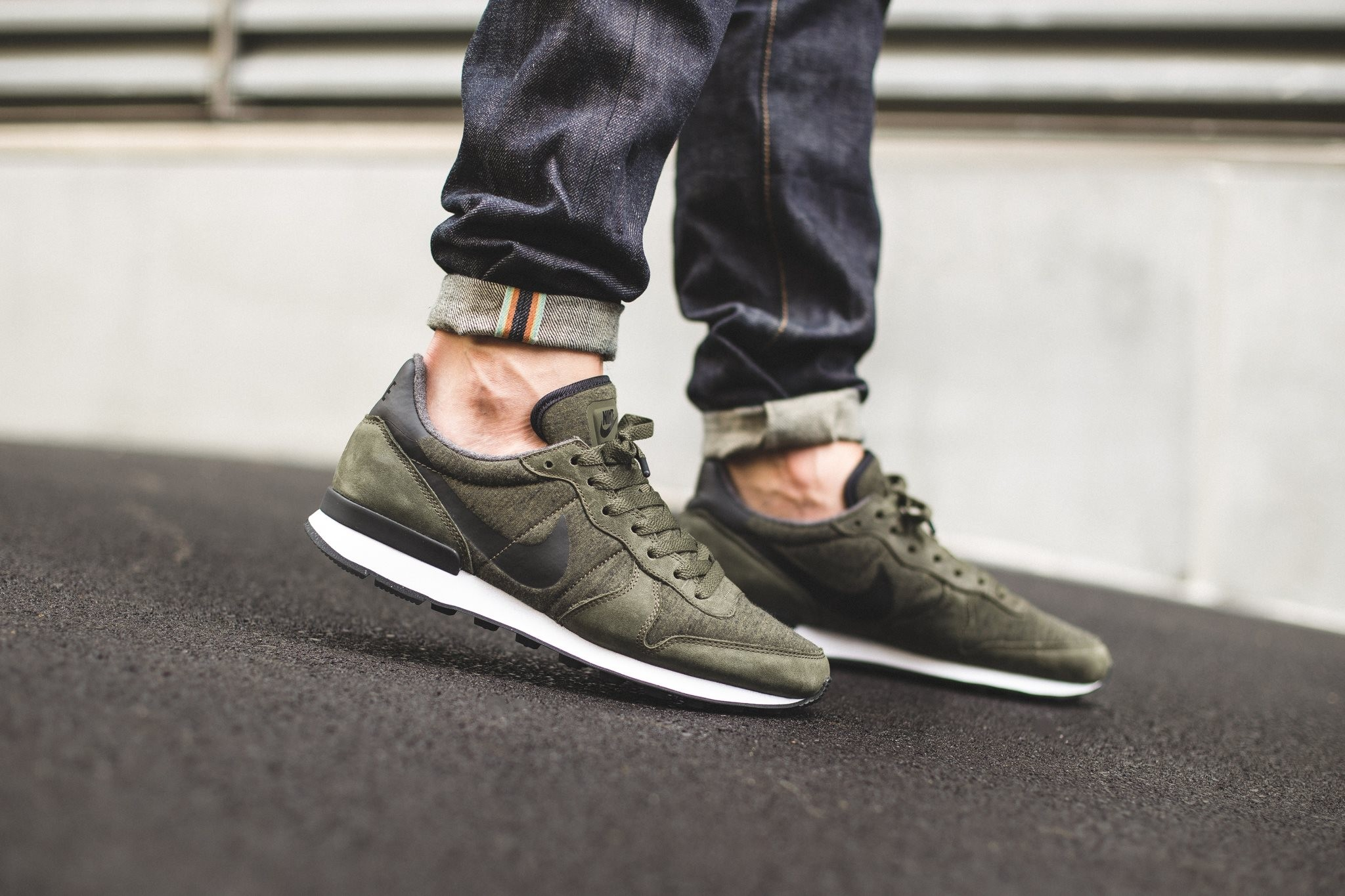 nike khaki internationalist