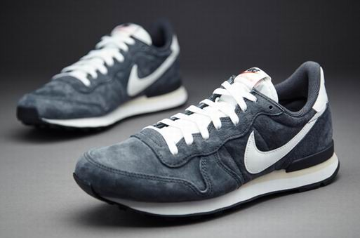 nike homme internationalist