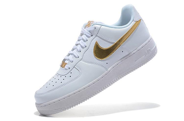 chaussure nike air force femme blnc doré