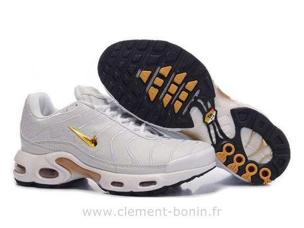 www.gite-cantal-meandres.fr
