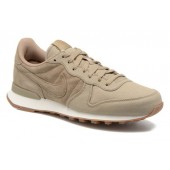 internationalist beige or