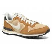 nike internationalist mens beige
