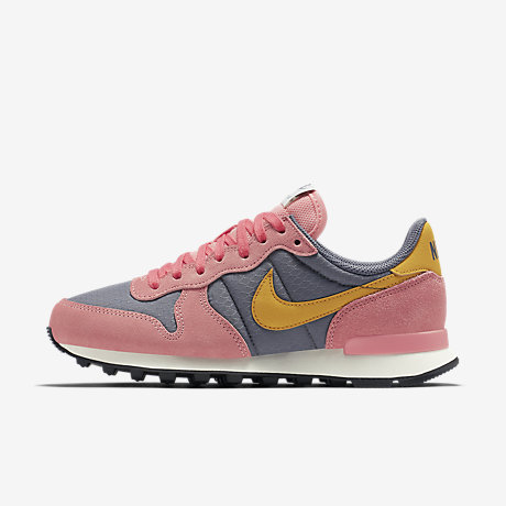 nike internationalist femme 38.5, Chaussure Nike Internationalist pour Femme Gris froid / Melon brillant / Voile / Jaune d'or E99o7371 ?