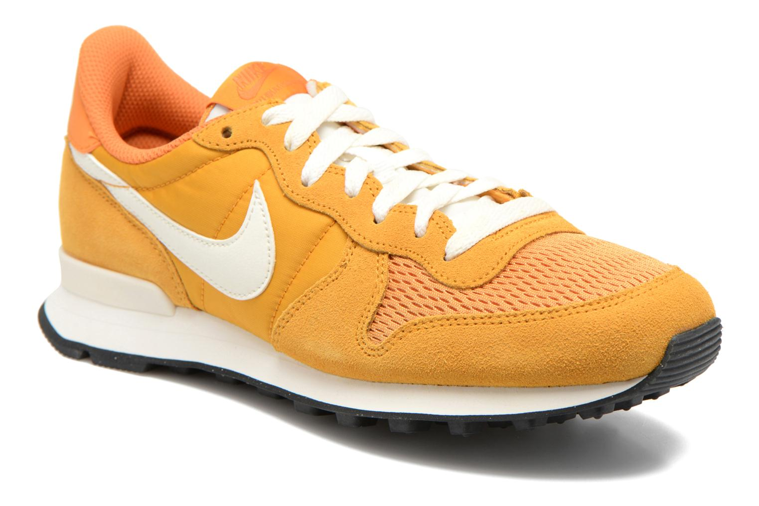 basket femme nike internationalist gold